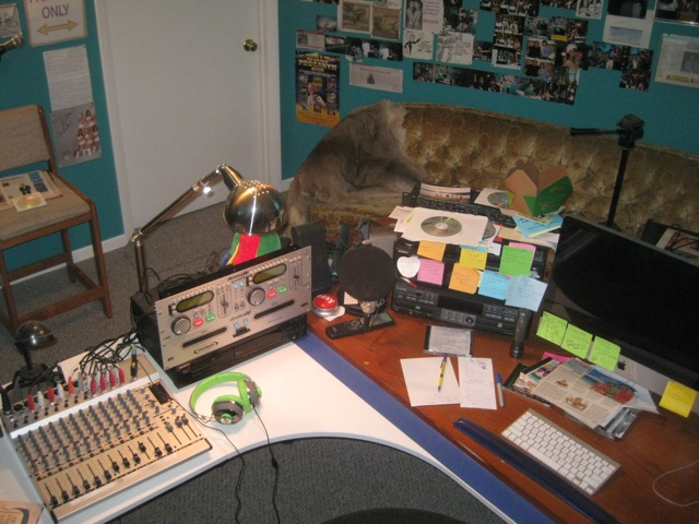 NewStudio/studiodesk.jpg